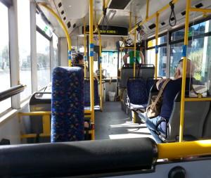 """רוב הנוסעים באוטובוסים הם """"נוסעים שבויים"""""""