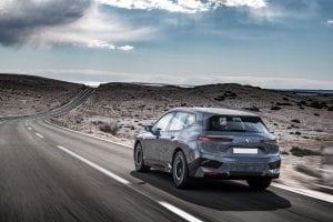אירופה מגבילה פיזית את מהירות הנסיעה של מכוניות